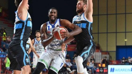 Basket, Supercoppa: Sassari-Venezia la finale, Cremona e Brindisi si arrendono