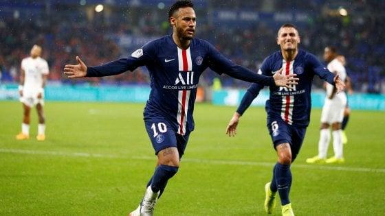Francia, altre prodezza di Neymar: il Psg vince a Lione
