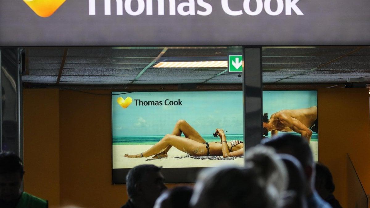 Thomas Cook, salta l'accordo sul salvataggio: dichiarata la bancarotta