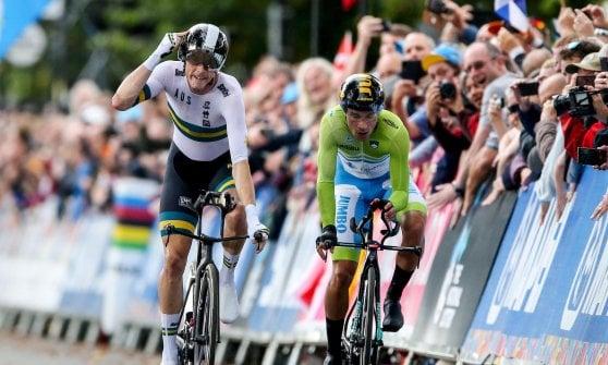 Ciclismo, Mondiali: cronometro, la rivincita di Dennis. Evenepoel argento, splendido bronzo per Ganna