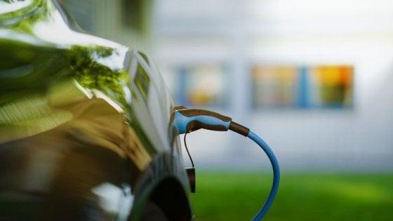 Boom di auto elettriche nel 2019, ma sono solo lo 0,5% del mercato