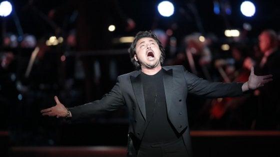 """Il tenore Grigolo sospeso da Met e Royal Opera House: """"Sereno"""". Il caso nascerebbe da una pancia finta"""