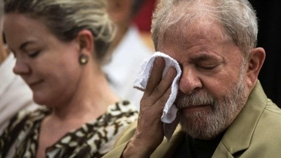 Brasile, Lula a un passo dalla semilibertà. I pm:
