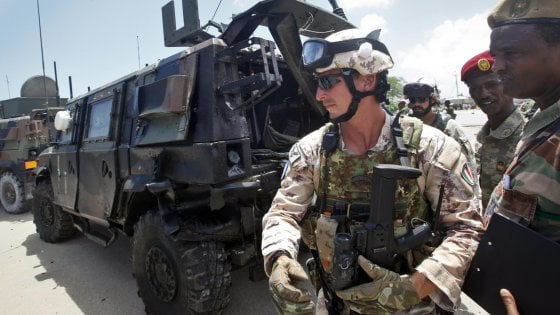 Somalia, attacco contro un convoglio militare italiano. Illesi i soldati