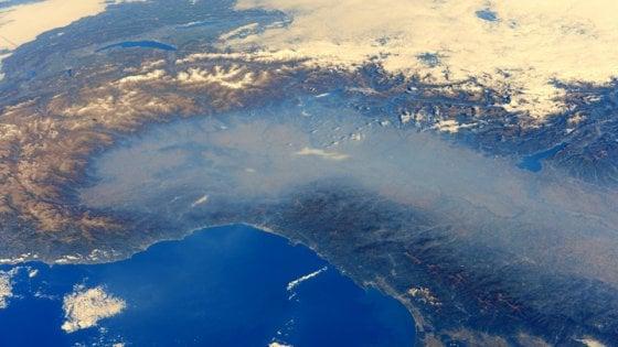 Piove di meno in pianura al Nord Italia. E si punta il dito sullo smog
