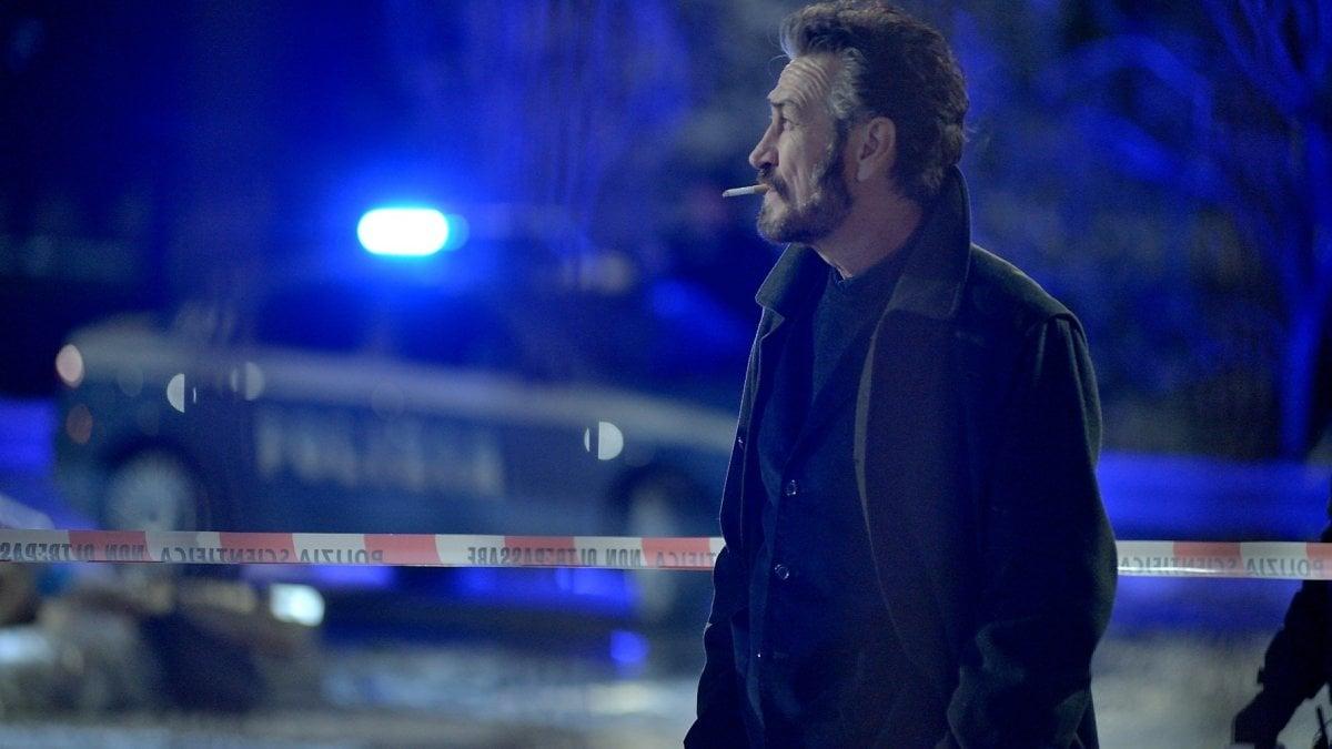 """Rocco Schiavone, torna il vicequestore Marco Giallini: """"Sono un uomo abbandonato. E continuo a fumare tanto..."""""""