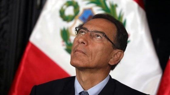 Perù, scoppia il caos: scontro tra presidente e Parlamento. Vizcarra scioglie le Camere e convoca nuove elezioni