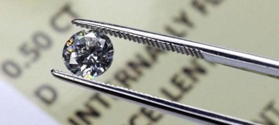 Diamanti, clienti truffati mentre ai vertici delle banche andavano regalie