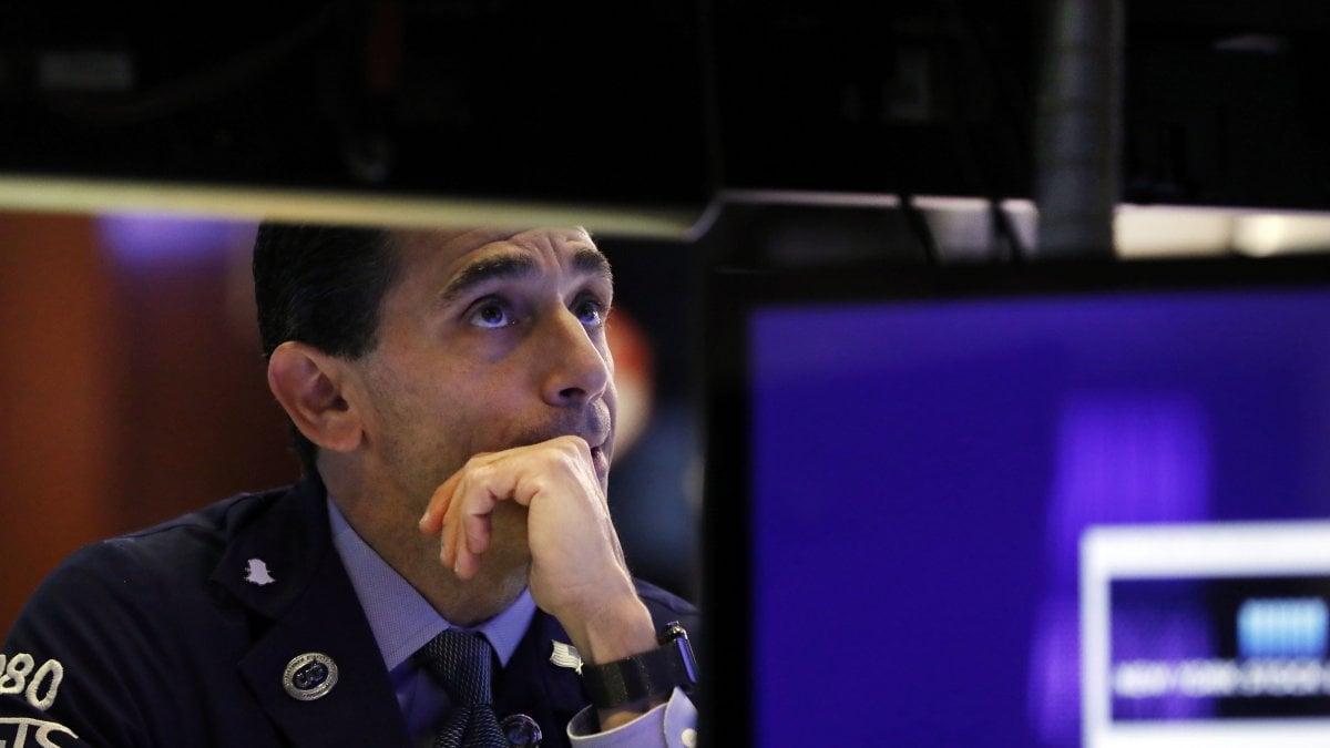 Borse deboli, pesano dazi e rallentamento economico