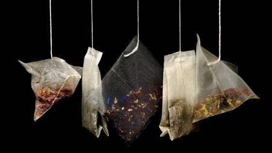 Le bustine di tè in nylon rilasciano miliardi di microplastiche