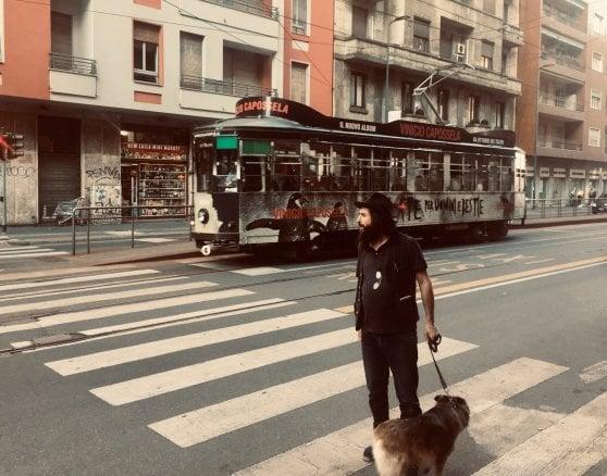 Vinicio Capossela, 'Ballate per uomini e bestie' diventa un tour 'classico': e arriva 'Di città in città', il nuovo video