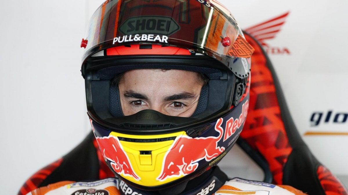 MotoGp, Thailandia: brutta caduta per Marquez. Quartararo il più veloce nelle libere