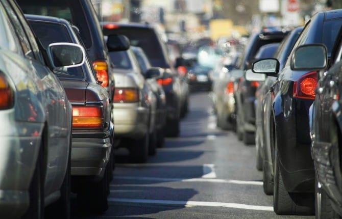 Automobili vecchie e inquinanti, troppe in Italia