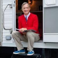 Tom Hanks è  Mr. Rogers, il presentatore