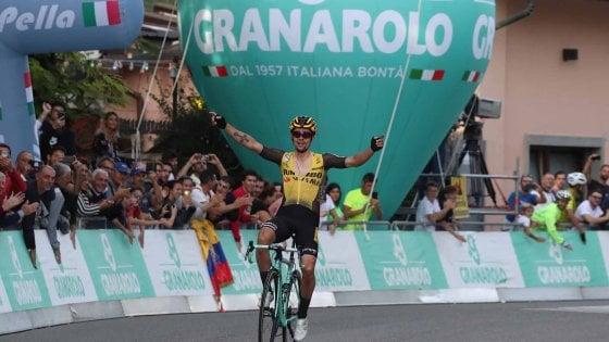 Ciclismo, Giro dell'Emilia: assolo di Roglic. Nibali crolla sull'ultima salita