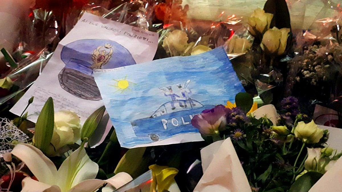 Agenti uccisi a Trieste, ecco il video del killer in fuga. Il pm chiede: perizia psichiatrica.