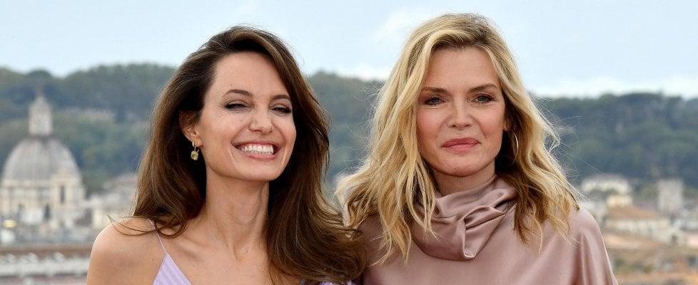 """Angelina Jolie e Michelle Pfeiffer per 'Maleficent': """"Suocere cattive sì, ma con il cuore"""""""