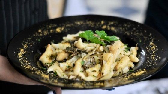 Profumo di Sardegna: versatile e gustoso, il pane che sembra una pasta