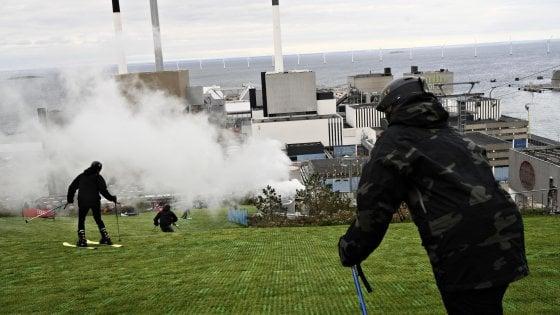 Copenhagen, Altro che termovalorizzatore: quello nuovo è una collina, con pista da sci. E non inquina