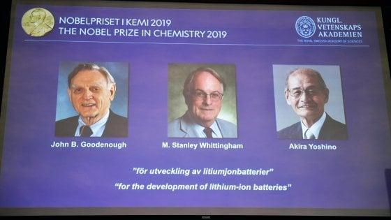 Nobel per la Chimica a John Goodenough, Stanley Whittingham e Akira Yoshino per l'invenzione delle batterie