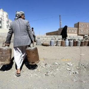 Yemen, la benzina aumentata del 100%: triplicato il costo e i tempi per il trasporto degli aiuti salvavita