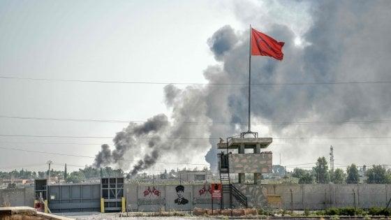 """Siria, aumentano le vittime dell'offensiva turca. Usa avverte Ankara: """"Fermare le operazioni"""""""