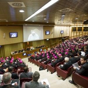 """La protesta di suor Weiler al Sinodo sull'Amazzonia: """"Basta machismo, fate votare anche noi donne"""""""