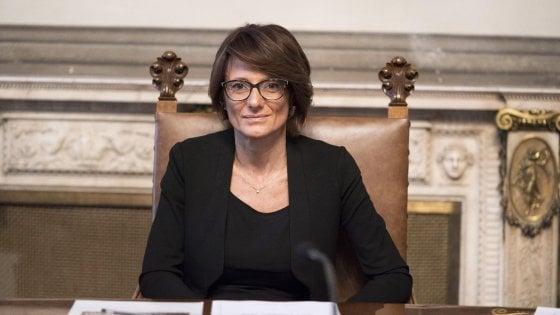 """Coming out day, la ministra Bonetti: """"La strada per la libertà di essere se stessi è ancora lunga"""""""