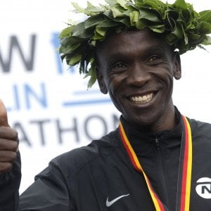 """Eliud Kipchoge: """"Non corro per i soldi, ma per abbattere i muri"""""""