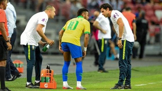 Brasile, solo 1-1 con la Nigeria; e si fa male Neymar. L'Argentina travolge l'Ecuador