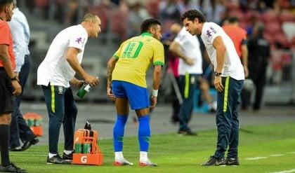 Il Brasile non sa più vincere: 1-1 anche con la Nigeria. E si fa male Neymar