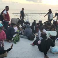 Migranti, la Ocean Viking sbarcherà a Taranto i 176 migranti soccorsi ieri al largo della...