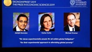 Nobel economia 2019, il premio a Abhijit Banerjee, Esther Duflo e Michael Kremer