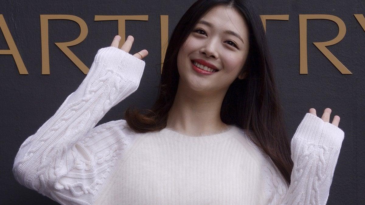 Sulli, stella del K-pop trovata morta in casa