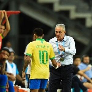 Psg, Neymar fuori 4 settimane: lesione al bicipite femorale