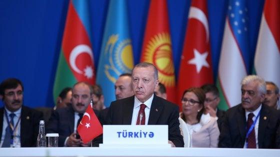"""Siria, Erdogan: """"Turchia non dichiarerà mai il cessate il fuoco"""". """"I terroristi depongano le armi"""""""
