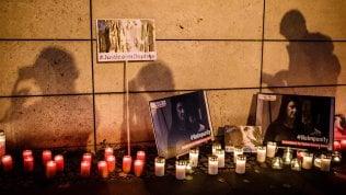 Migliaia di persone sfilano per Daphne Caruana Galizia a due anni dall'omicidio: Fare luce