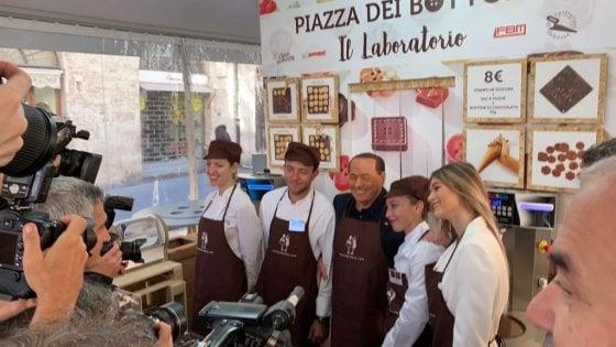 Berlusconi contro Carfagna per le critiche a Casapound in piazza con Salvini