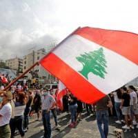 Libano, proteste contro carovita e tassa su WhatsApp: due morti