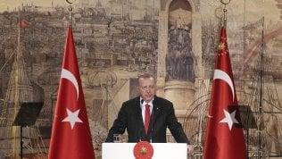 """Siria, tregua violata: morti e feriti a Ras al-Raym. Erdogan: """"Non lasceremo la fascia di sicurezza"""""""
