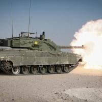 Qatar, l'Esercito italiano si addestra con i tank nel deserto
