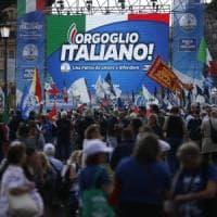 """Centrodestra in piazza contro il governo, Salvini: """"Qui c'è l'Italia vera"""""""