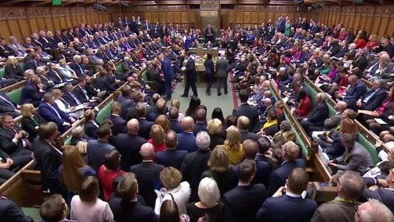 """Gb, Westminster rinvia la Brexit: approvato l'emendamento Letwin. Johnson: """"Non chiederò rinvio a Ue"""""""