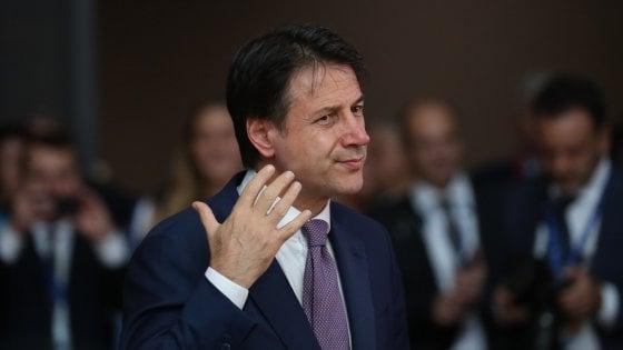 """Manovra, Conte alza la voce: """"È' fatta, non tornerà in cdm"""". Ma lunedì vertice di maggioranza e Renzi avverte: """"Ci vediamo in Aula"""""""