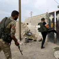 """Siria, i turchi accusano: """"I curdi hanno ucciso un nostro soldato"""".  Le Sdf: """"La Turchia..."""