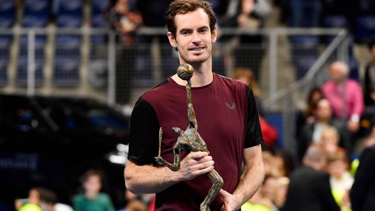 Tennis: Murray, il 'calvario' è finito: batte Wawrinka e trionfa ad Anversa
