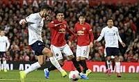 Il Liverpool si ferma a 17 vittorie: pari con lo United