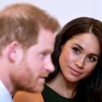 """Regno Unito, Meghan: """"Esisto non vivo"""". E ora i duchi di Sussex pensano di trasferirsi in..."""