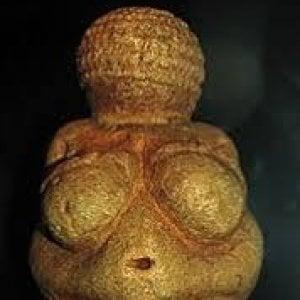 Sinodo, integralisti rubano statuetta della Madre Terra e la gettano nel Tevere