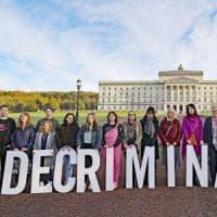 Irlanda del Nord, legalizzati l'aborto e i matrimoni gay
